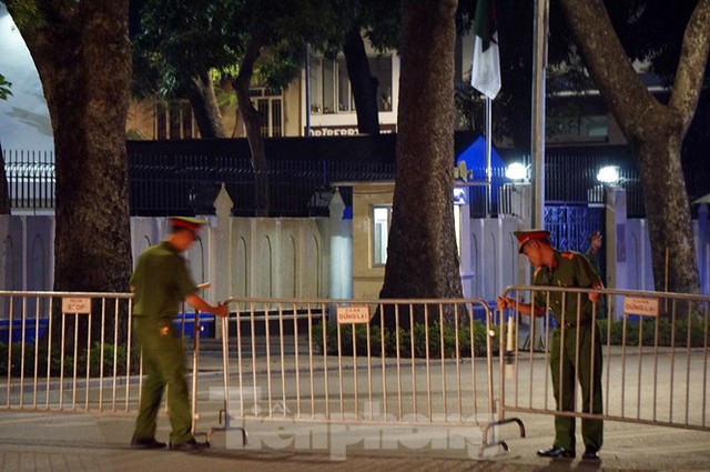 Cảnh sát trắng đêm chống đua sau trận Việt Nam thắng Malaysia - Ảnh 4.