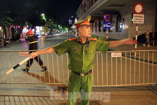 Cảnh sát trắng đêm chống đua sau trận Việt Nam thắng Malaysia - Ảnh 5.