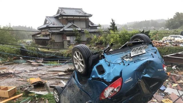 Đang oằn mình chịu siêu bão, Nhật hứng thêm động đất - Ảnh 3.