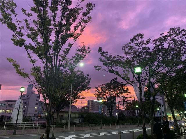 Siêu bão quái vật Hagibis đổ bộ: Hàng loạt sông chực vỡ bờ, Nhật Bản cảnh báo mức cao nhất - Ảnh 4.