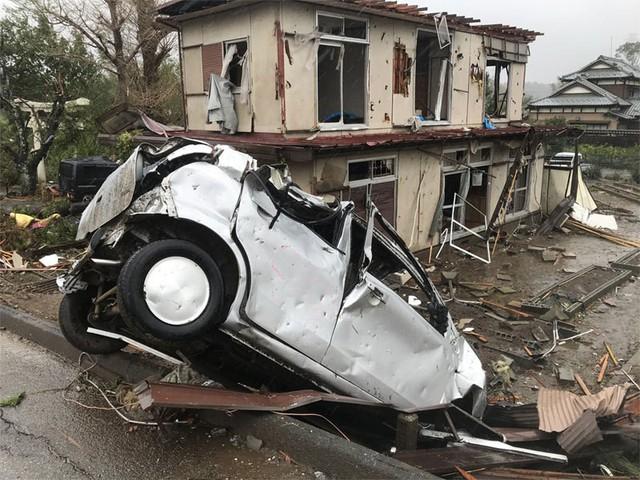 Đang oằn mình chịu siêu bão, Nhật hứng thêm động đất - Ảnh 4.