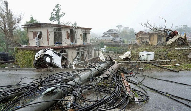 Đang oằn mình chịu siêu bão, Nhật hứng thêm động đất - Ảnh 5.