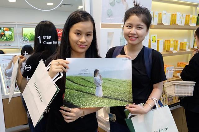 Đại diện hãng Innisfree: Ngành mỹ phẩm Việt Nam trỗi dậy mạnh mẽ, khách hàng trẻ tuổi nhất và doanh thu điện tử cao nhất ASEAN - Ảnh 1.