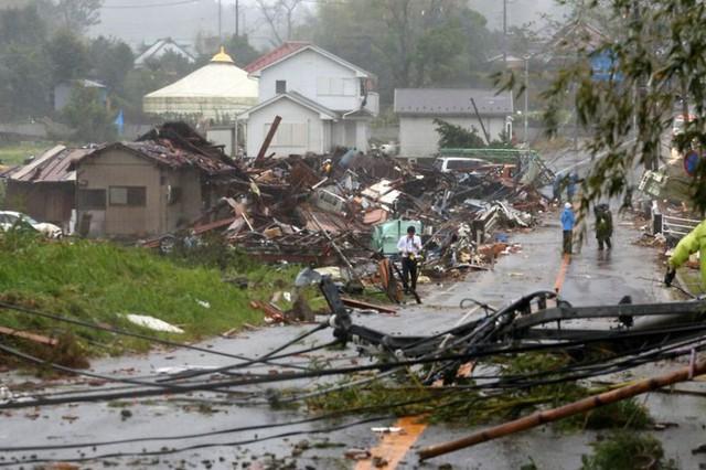 Hình ảnh bão Hagibis tàn phá Nhật trước khi quay ra biển TBD - Ảnh 1.