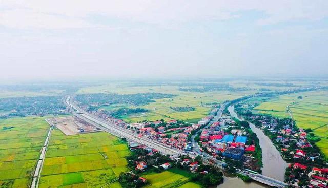 Cận cảnh tuyến đường gần 1.300 tỷ đồng vừa khánh thành ở Hải Phòng - Ảnh 2.