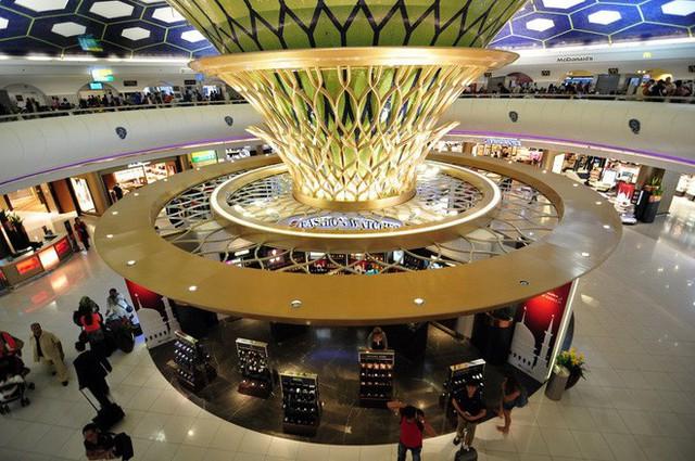 Choáng toàn tập trước 16 sân bay đẹp nhất thế giới, du khách đến chỉ muốn ở lại luôn chứ chẳng thèm đi đâu nữa! - Ảnh 6.