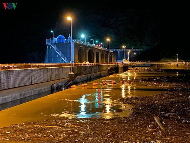 Nhật Bản sau bão Hagibis: Đường biến thành sông, nhà cửa đổ sập - Ảnh 11.