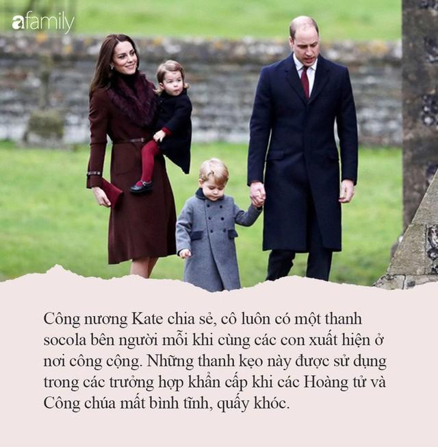 Nếu con thường ăn vạ nơi công cộng, hãy tham khảo ngay cách xử lý của công nương Kate Middleton, con ngoan ngoãn, nín khóc ngay lập tức - Ảnh 3.