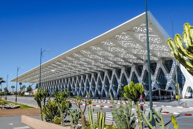 Choáng toàn tập trước 16 sân bay đẹp nhất thế giới, du khách đến chỉ muốn ở lại luôn chứ chẳng thèm đi đâu nữa! - Ảnh 9.