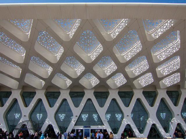 Choáng toàn tập trước 16 sân bay đẹp nhất thế giới, du khách đến chỉ muốn ở lại luôn chứ chẳng thèm đi đâu nữa! - Ảnh 10.