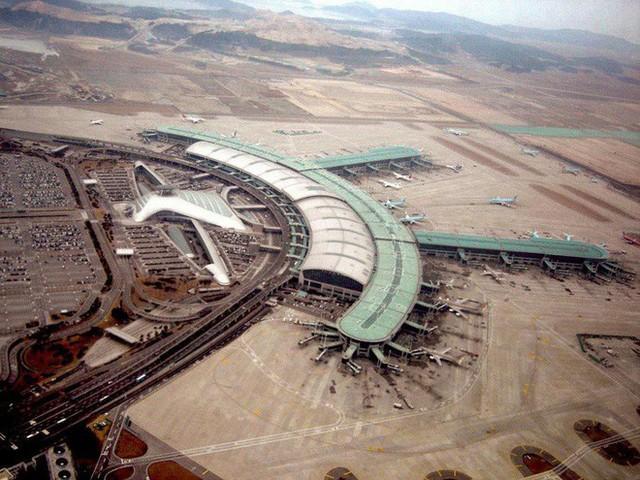 Choáng toàn tập trước 16 sân bay đẹp nhất thế giới, du khách đến chỉ muốn ở lại luôn chứ chẳng thèm đi đâu nữa! - Ảnh 11.