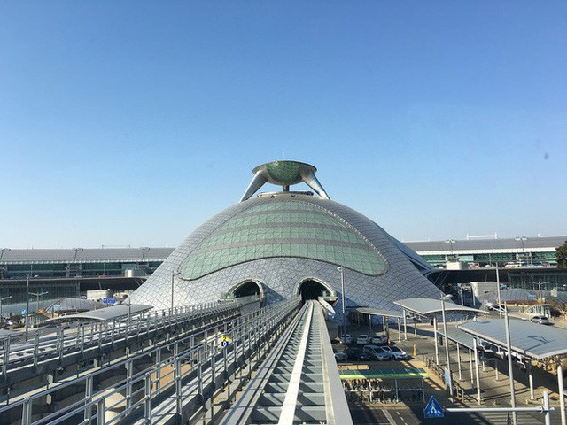Choáng toàn tập trước 16 sân bay đẹp nhất thế giới, du khách đến chỉ muốn ở lại luôn chứ chẳng thèm đi đâu nữa! - Ảnh 12.