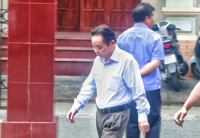 Sáng nay 14-10, triệu tập gần 200 người tới toà xử vụ gian lận điểm thi ở Hà Giang  - Ảnh 1.