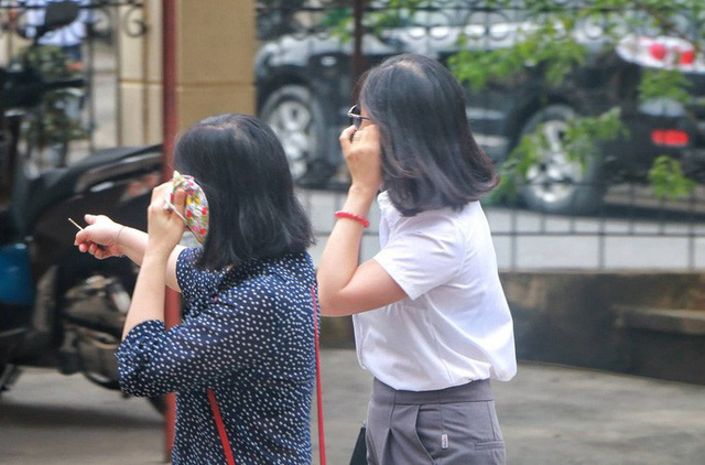 Sáng nay 14-10, triệu tập gần 200 người tới toà xử vụ gian lận điểm thi ở Hà Giang  - Ảnh 2.