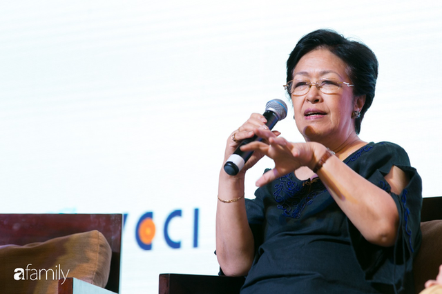 Tôn Nữ Thị Ninh - Cựu Đại sứ Việt Nam tại châu Âu: Đừng nói phụ nữ không thể bắt đầu ở tuổi 40, nếu hẹn nhau ở tuổi 50 tôi còn chưa ngán... - Ảnh 2.