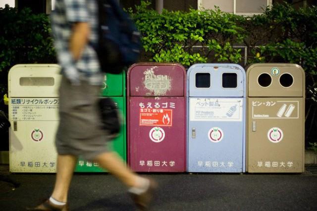Sửng sốt vì lũ lụt nhưng không có một cọng rác, ít ai biết rằng Nhật Bản là một trong những nơi có lượng rác thải nhựa lớn nhất thế giới - Ảnh 1.