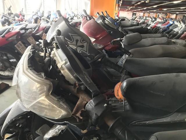 Hàng trăm xe máy nằm vạ nhiều năm ở sân bay Tân Sơn Nhất - Ảnh 6.