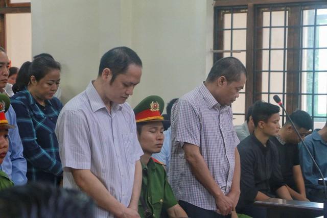 Sáng nay 14-10, triệu tập gần 200 người tới toà xử vụ gian lận điểm thi ở Hà Giang  - Ảnh 8.