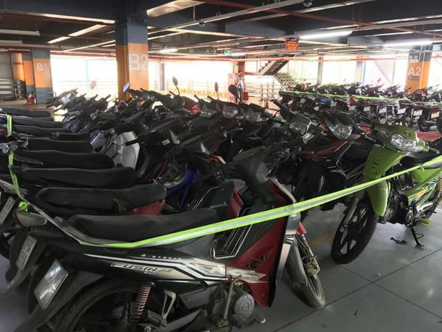 Hàng trăm xe máy nằm vạ nhiều năm ở sân bay Tân Sơn Nhất - Ảnh 9.