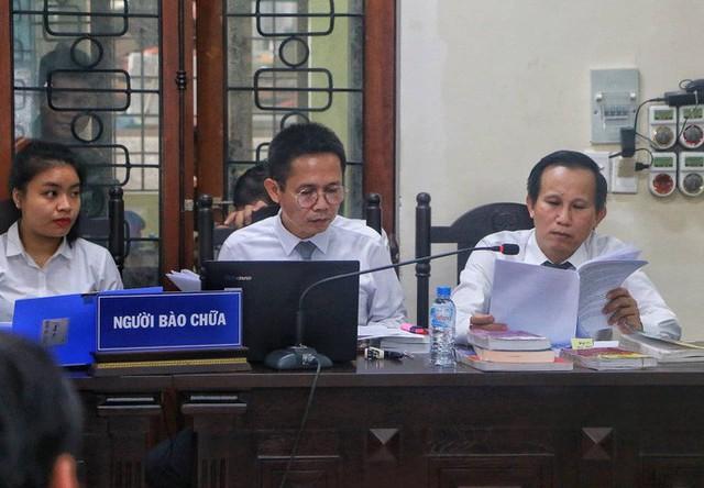 Sáng nay 14-10, triệu tập gần 200 người tới toà xử vụ gian lận điểm thi ở Hà Giang  - Ảnh 10.