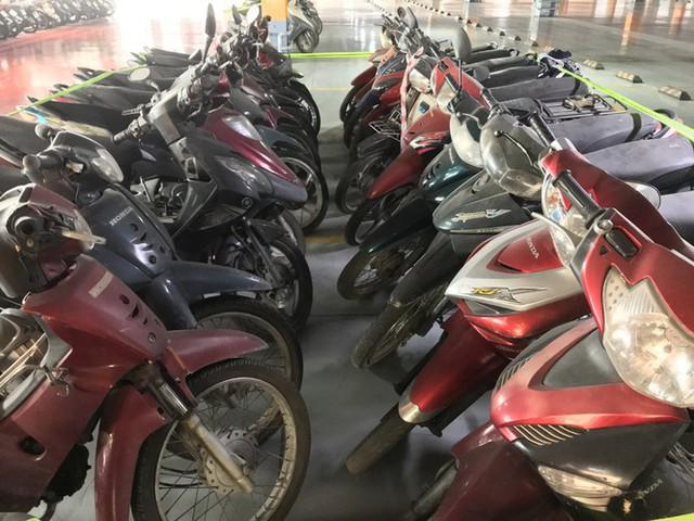 Hàng trăm xe máy nằm vạ nhiều năm ở sân bay Tân Sơn Nhất - Ảnh 10.