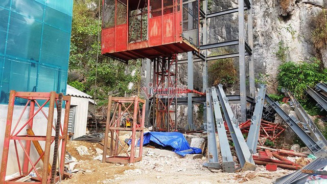 Thang máy 102 tầng ở phố cổ Đồng Văn được xây rồi tạm dừng thế nào? - Ảnh 4.