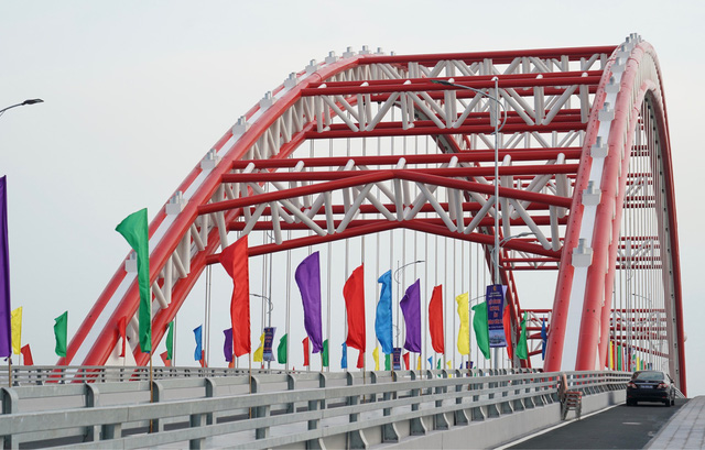Chùm ảnh: Thủ tướng dự lễ thông xe cầu Hoàng Văn Thụ, Hải Phòng - Ảnh 3.