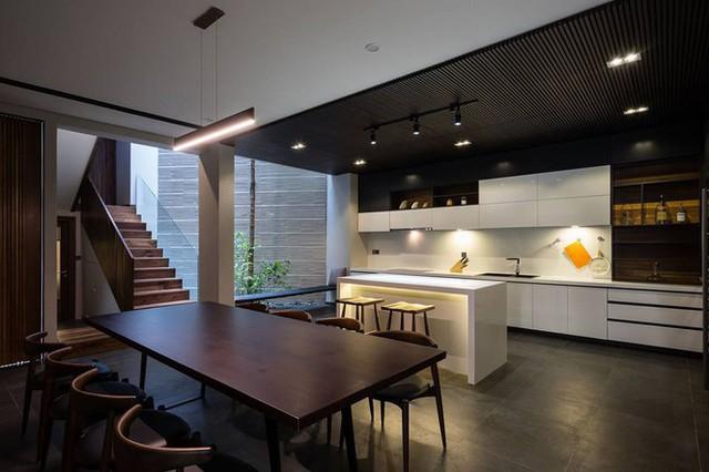 Kiểu biệt thự 3 tầng mới lạ có vẻ đẹp thôi miên - Ảnh 4.