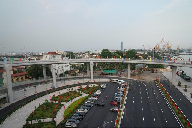Chùm ảnh: Thủ tướng dự lễ thông xe cầu Hoàng Văn Thụ, Hải Phòng - Ảnh 4.