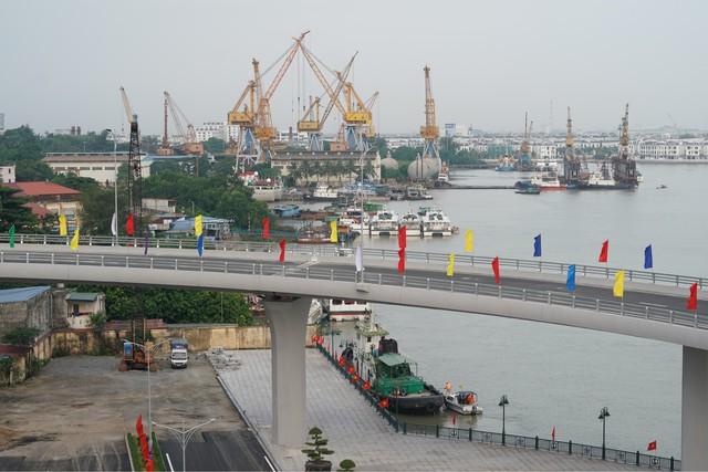 Chùm ảnh: Thủ tướng dự lễ thông xe cầu Hoàng Văn Thụ, Hải Phòng - Ảnh 6.