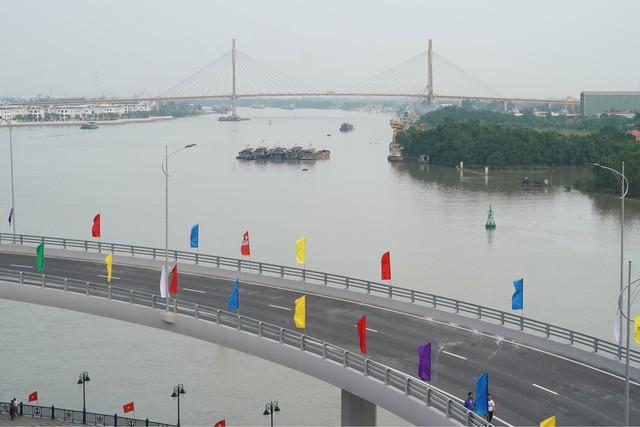 Chùm ảnh: Thủ tướng dự lễ thông xe cầu Hoàng Văn Thụ, Hải Phòng - Ảnh 7.