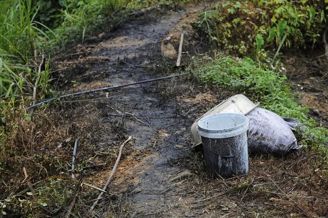 Vụ nước sinh hoạt bị ô nhiễm ở Hà Nội: Vào cuộc chậm, coi thường dân - Ảnh 2.