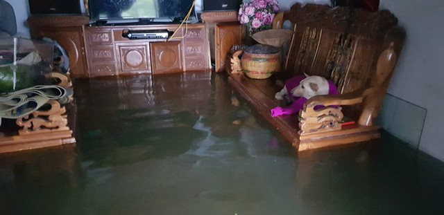 Thành phố Vinh thất thủ sau trận mưa xối xả - Ảnh 12.