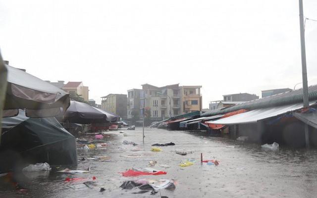 Mưa lớn ở Nghệ An làm 2 người chết, hơn 5.000 ngôi nhà bị ngập - Ảnh 5.