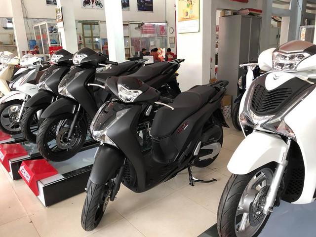 Xe máy đồng loạt tăng giá, chênh cao nhất 17 triệu đồng - Ảnh 2.