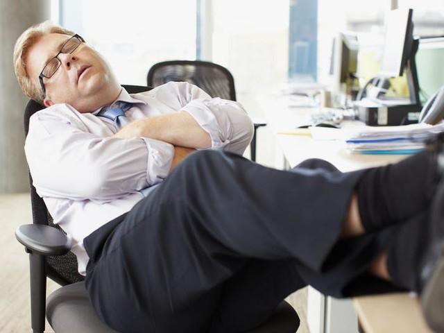 6 thói quen công sở đang hủy hoại sự nghiệp của bạn, làm lâu năm, có năng lực nhưng cả đời không thăng tiến là vì thế  - Ảnh 2.