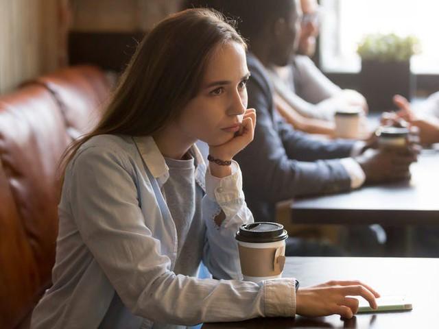 6 thói quen công sở đang hủy hoại sự nghiệp của bạn, làm lâu năm, có năng lực nhưng cả đời không thăng tiến là vì thế  - Ảnh 4.