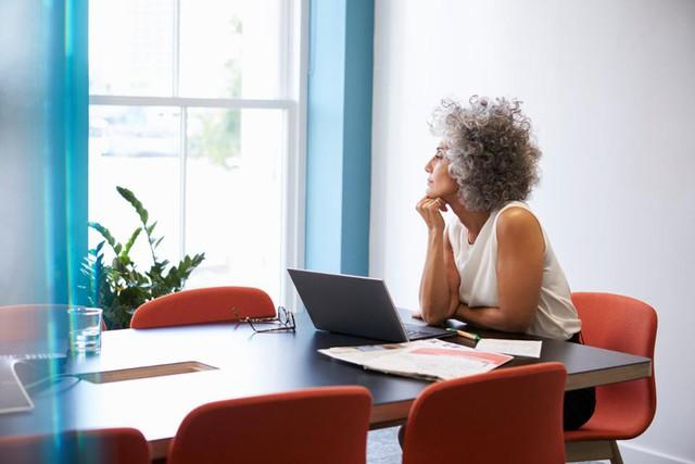 Một chiến lược gia đã chỉ ra đây chính là quyết định sai lầm nghiêm trọng có thể hủy hoại sự nghiệp của bạn: Nhận biết ngay trước khi quá muộn! - Ảnh 1.