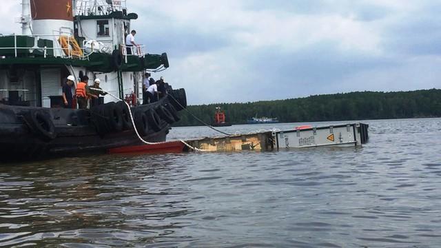 Cận cảnh cứu hộ tàu 8.000 tấn chìm trên sông Lòng Tàu - Ảnh 5.