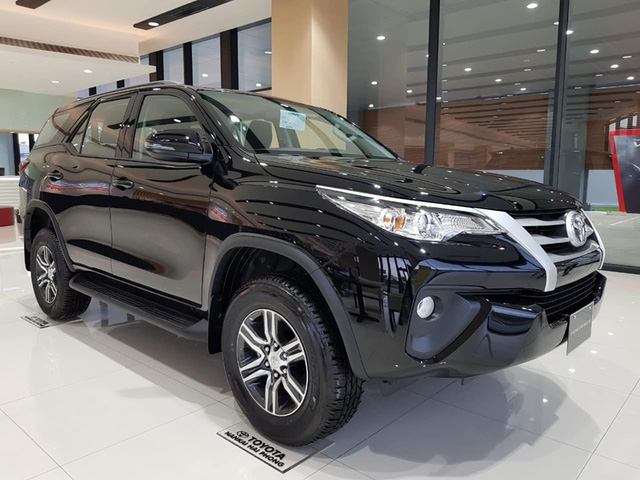 Giá xe ô tô đầu tháng 10 giảm cao nhất 60 triệu đồng - Ảnh 1.