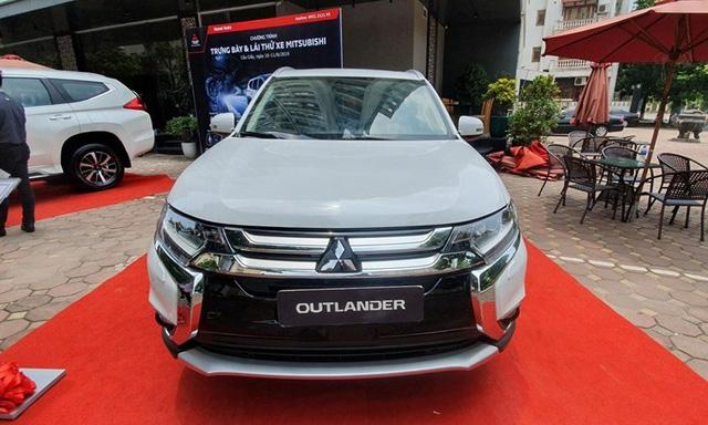 Giá xe ô tô đầu tháng 10 giảm cao nhất 60 triệu đồng - Ảnh 2.