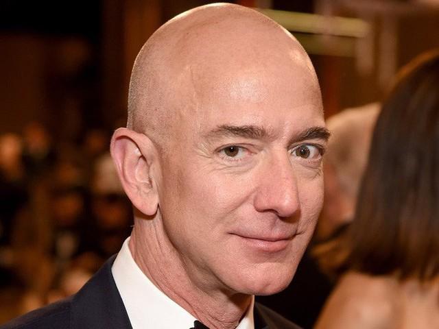 3 bí kíp làm nên khả năng kiếm tiền siêu đẳng của tỷ phú giàu nhất thế giới Jeff Bezos, các sếp nên học hỏi ngay điều số 2 - Ảnh 3.
