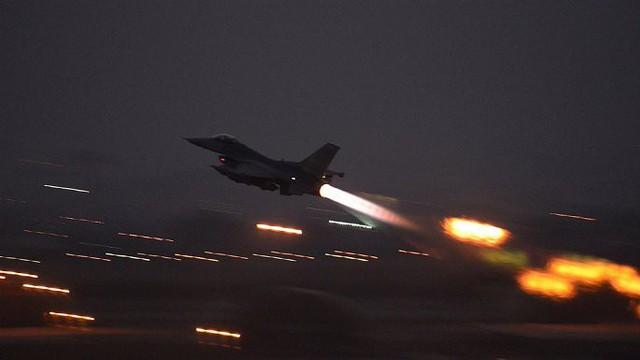 Chiến sự Syria căng thẳng, Mỹ lo sơ tán 50 quả bom hạt nhân tại căn cứ Thổ Nhĩ Kỳ - Ảnh 1.