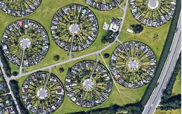 Độc đáo ngôi làng vòng tròn siêu thực ở Đan Mạch - Ảnh 5.