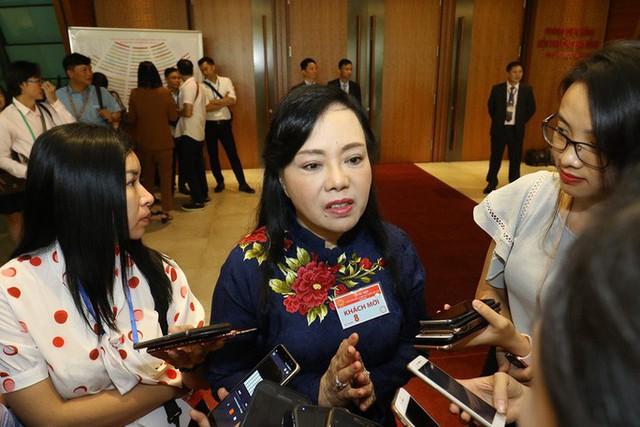 Bộ trưởng Nguyễn Thị Kim Tiến: Có thị phi, có thông tin không trung thực! - Ảnh 1.