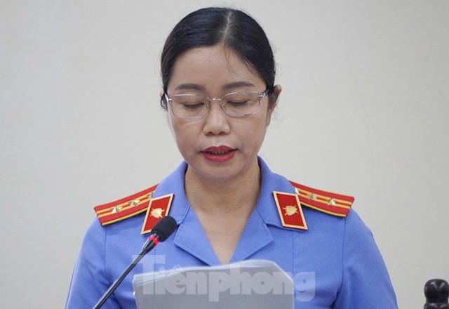 Vợ Chủ tịch tỉnh nhờ Phó GĐ Sở giúp đỡ vụ nâng điểm thi ở Hà Giang - Ảnh 2.
