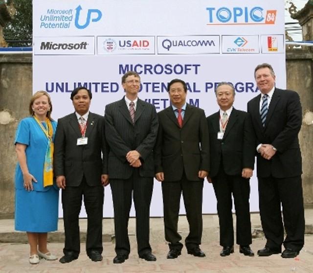 TOPICA: Từ bàn tay của Bill Gates đến startup hàng đầu Đông Nam Á về giáo dục trực tuyến - Ảnh 2.