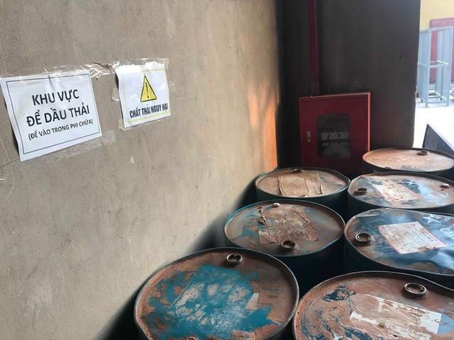 Cận cảnh nơi lưu giữ dầu thải bị tuồn ra đầu độc nước sông Đà của Công ty gốm sứ Thanh Hà - Ảnh 6.