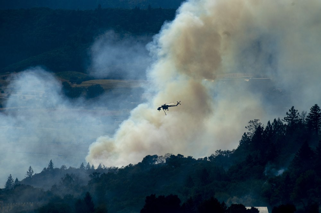Hàng trăm căn nhà ở California bị thiêu rụi do cháy rừng - Ảnh 5.