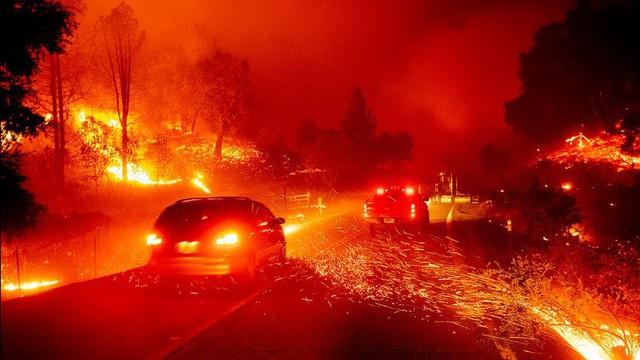 Hàng trăm căn nhà ở California bị thiêu rụi do cháy rừng - Ảnh 6.